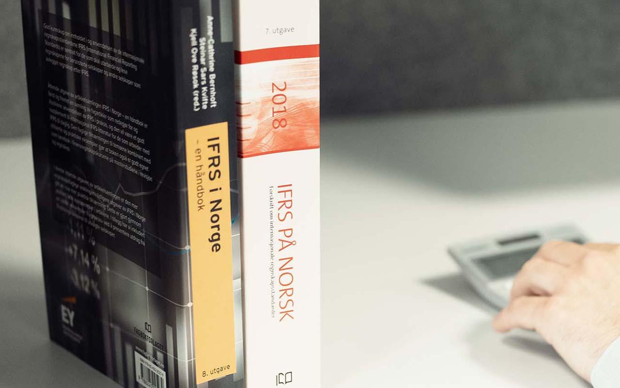 IFRS bøker